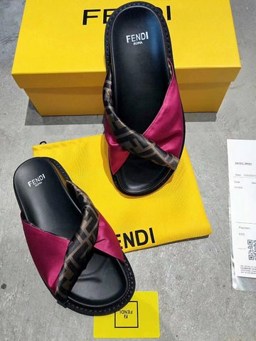 FENDI Shoes-16