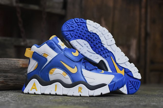 Nike Air Barrage Mid-2